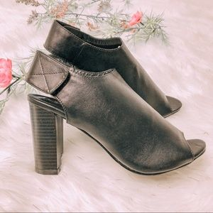 Shoes - Black Mules